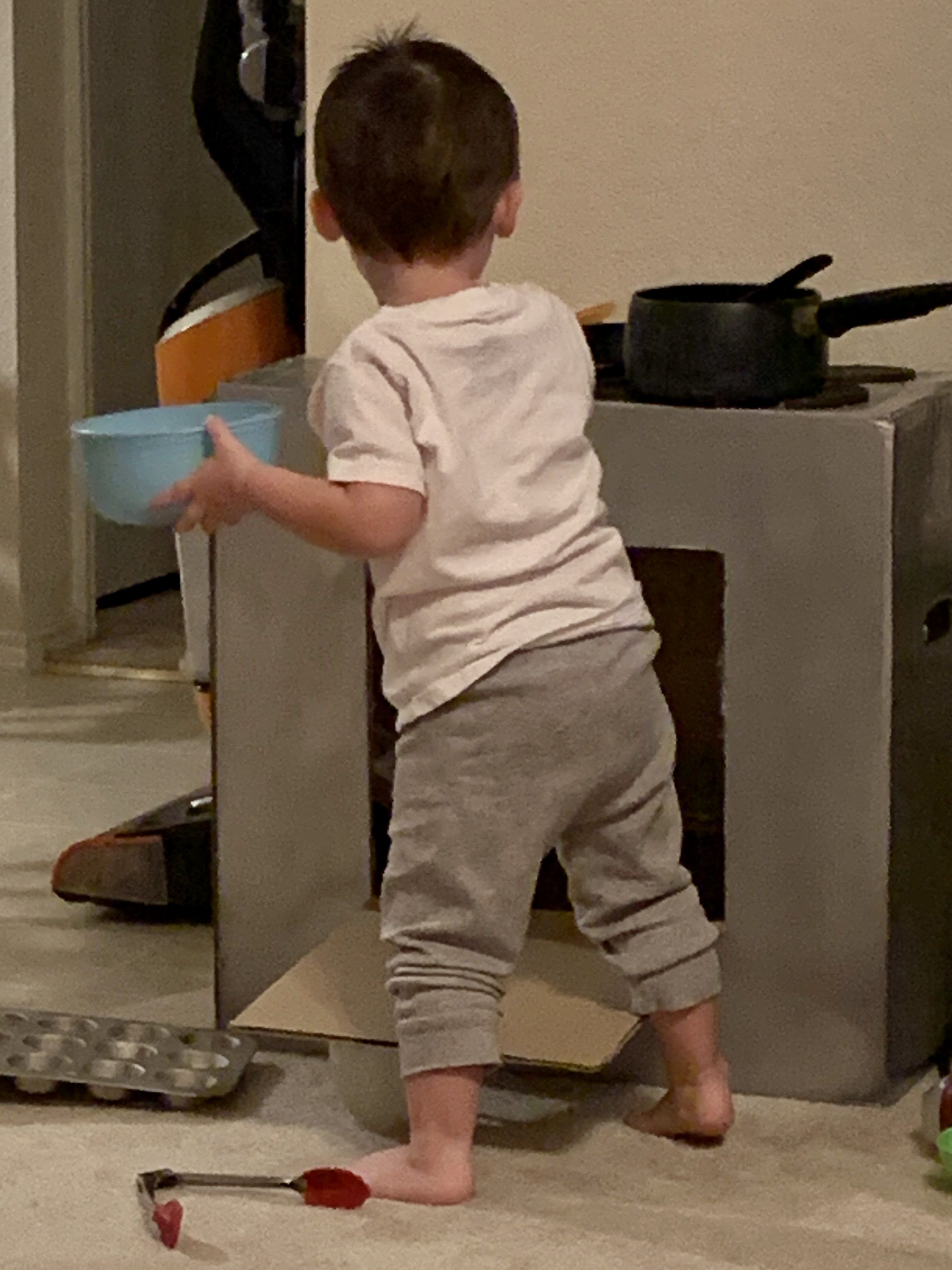 How to Make a Toddler Stove for Under Five Dollars